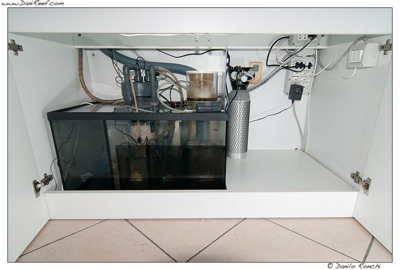 Come gestire l 39 ups in acquario danireef portale - Acquario mobile ...