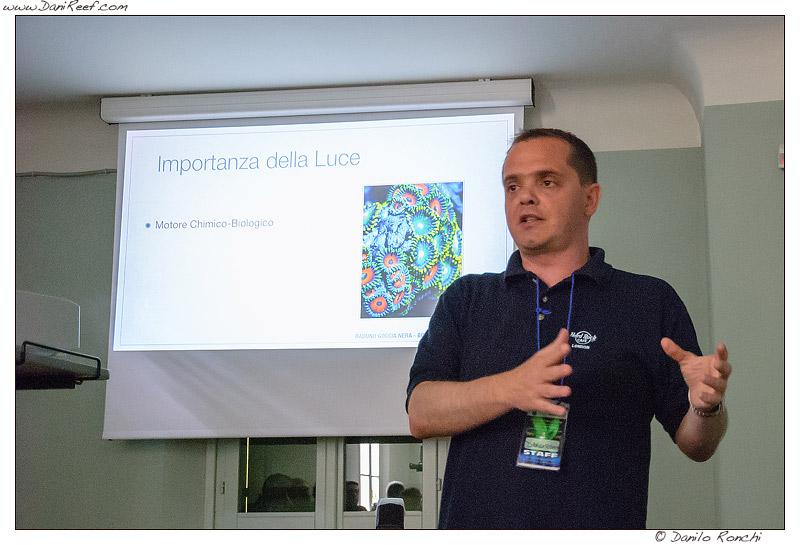 Danilo Ronchi - DaniReef - durante una conferenza