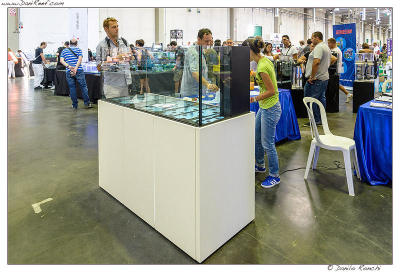 Il nuovo tecnopolimero per mobili per acquario di 100 Acquari ...