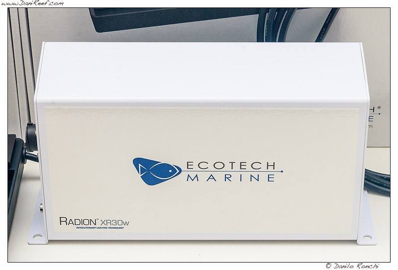 2013_10_ecotech_marine_radion_xr30w_g2_led_danireef_009