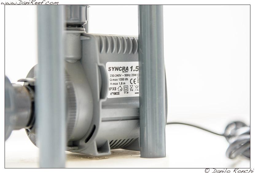 Pompa Sicce Syncrea 1.5 nel Reattore di calcio UltraReef UCS 120