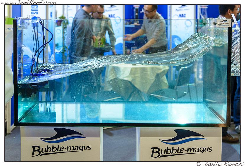 La pompa W20 presso lo stand Bubble Magus durante la fiera Interzoo di Norimberga 2014