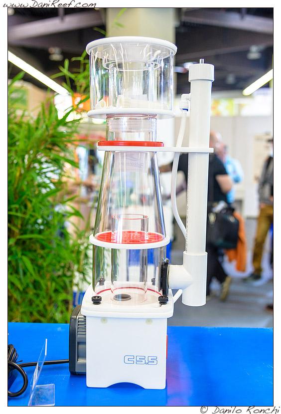 Schiumatoio Curve 5.5 presso lo stand Bubble Magus durante la fiera Interzoo di Norimberga 2014