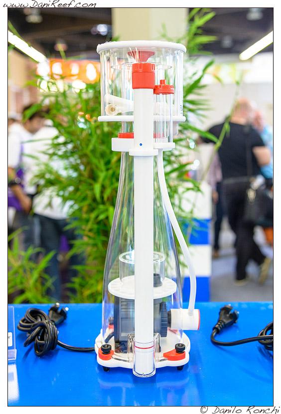 Schiumatoio Curve 5 presso lo stand Bubble Magus durante la fiera Interzoo di Norimberga 2014