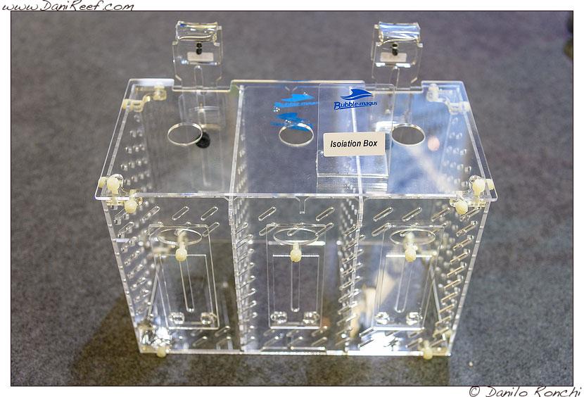 La nuova Isolation Box presso lo stand Bubble Magus durante la fiera Interzoo di Norimberga 2014