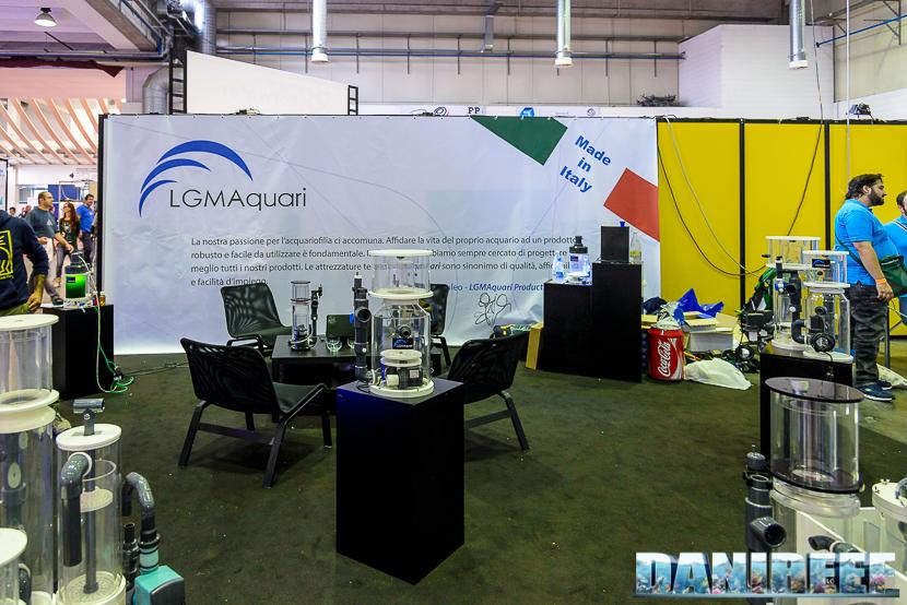Lo stand di LGMAquari presso il Piacenza PetsFestival 2014