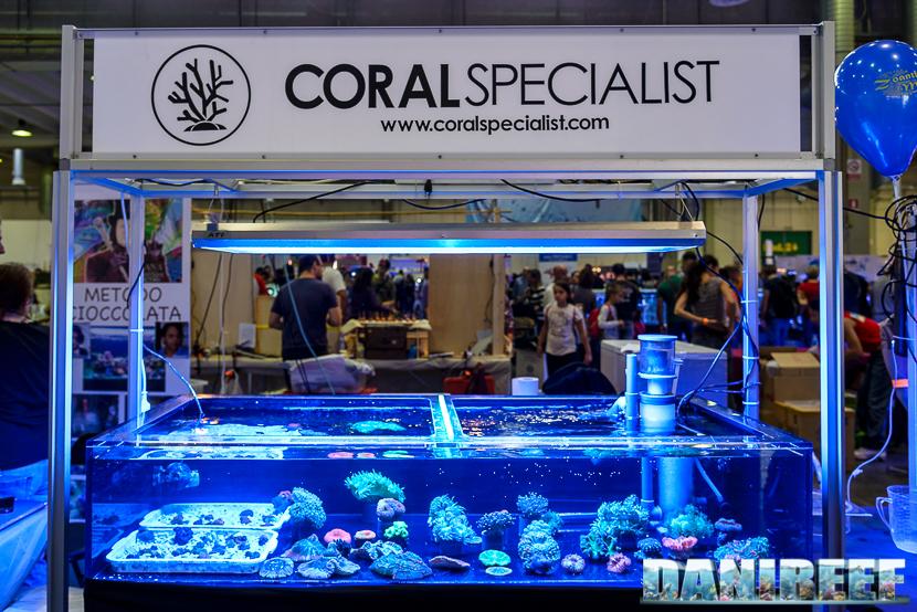 Lo stand coral specialist presso il Piacenza PetsFestival 2014