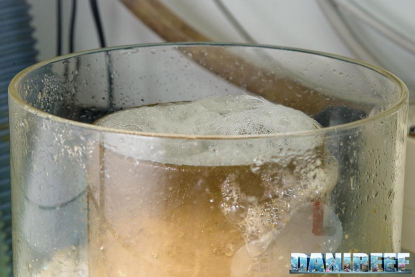 Bicchiere dello schiumatoio in funzione
