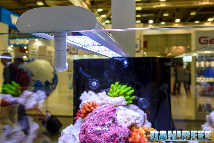 Zoomark 2015 - lo stand aquatlantis - ricircolo acqua sui led per raffreddarli e riscaldare l'acquario