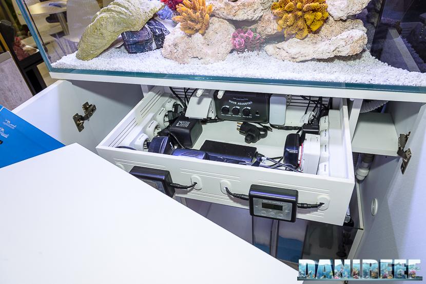 Zoomark 2015 - lo stand aquatlantis - parte elettronica dell'acquario