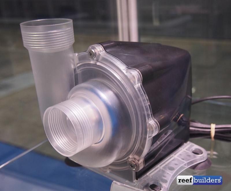 le nuove pompe New Jet da aquarium system presentate durante la diera Aquarama di Singapore