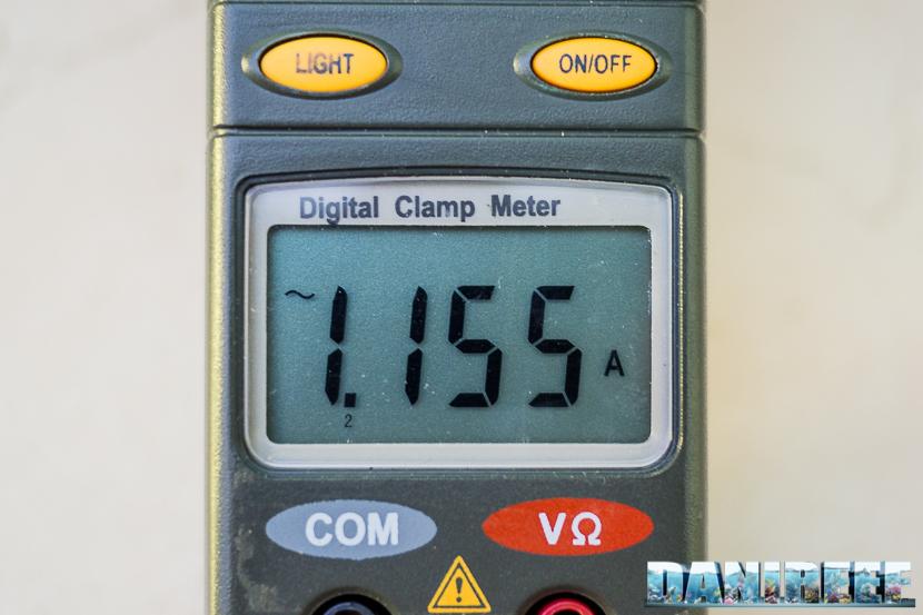 2015 07 plafoniera led Orphek Atlantik P300 10 - misurazione corrente