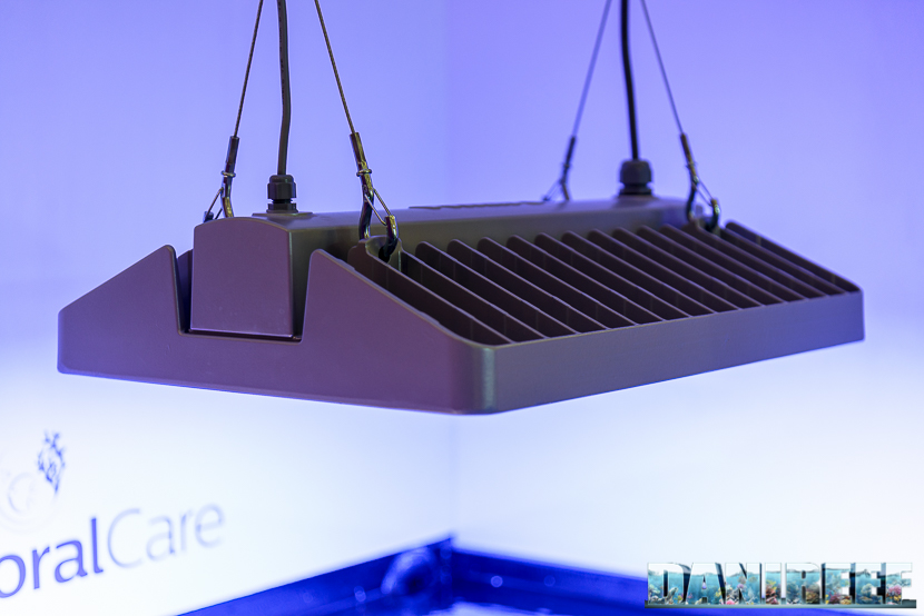 Plafoniera Led Philips : Interzoo lo stand philips con la plafoniera led