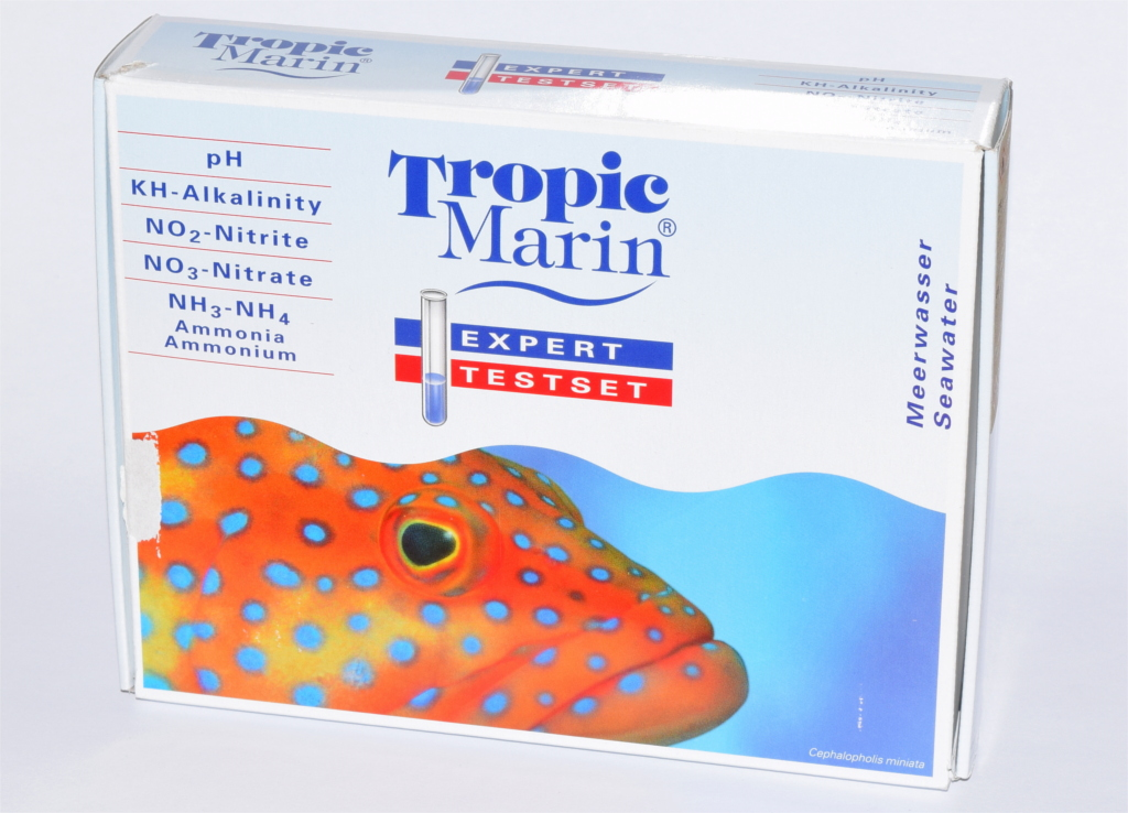 The Tropic Marin Expert Testset is incredibly compact, it's almost 20 cm long and less than 4 cm thick