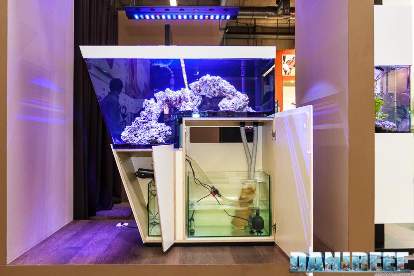 Interzoo 2016 lo stand ifalos geometrie e design per for Mobile per acquario