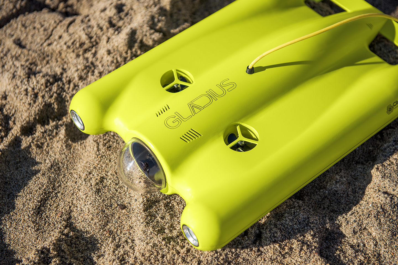 Gladius ultra hd - drone appoggiato sulla sabbia