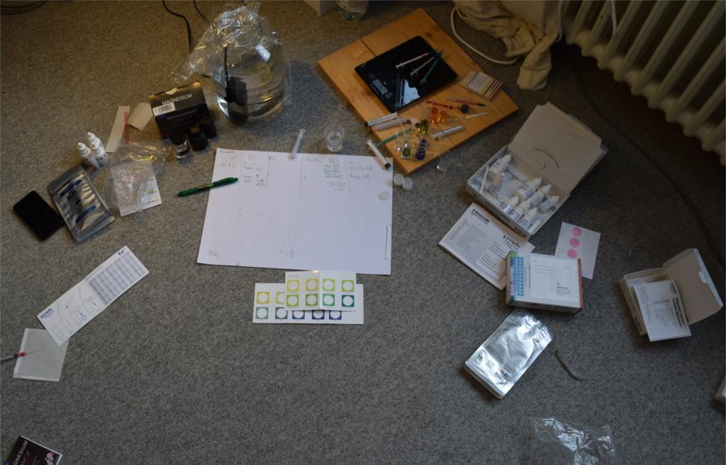 Le misurazioni sono state effettuate con diversi campioni d'acqua insieme a molti altri test in una lunga giornata...