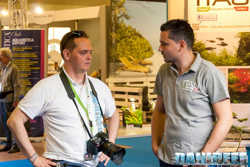 Danilo Ronchi di DaniReef a sinistra e Giuseppe Nisi a sinistra, coautore dell'acquario