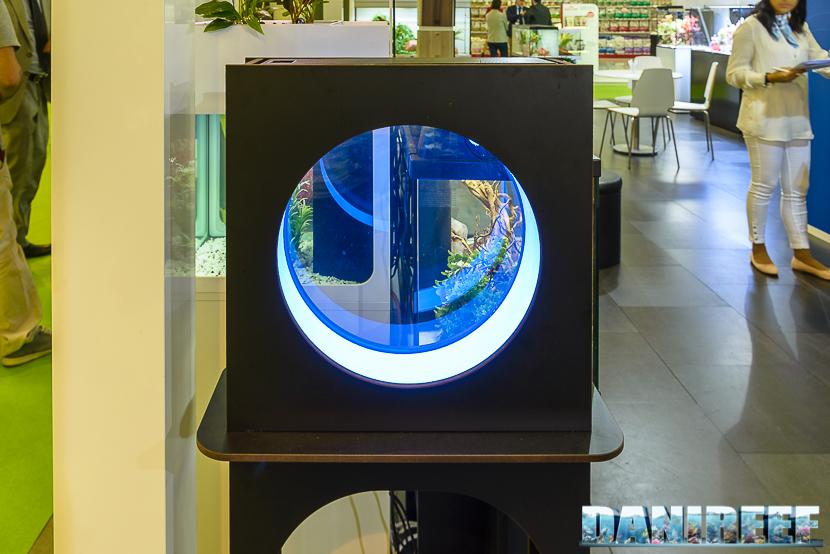 Zoomark 2017: lo stand aquatlantis ed il nuovo prototipo di acquario per meduse
