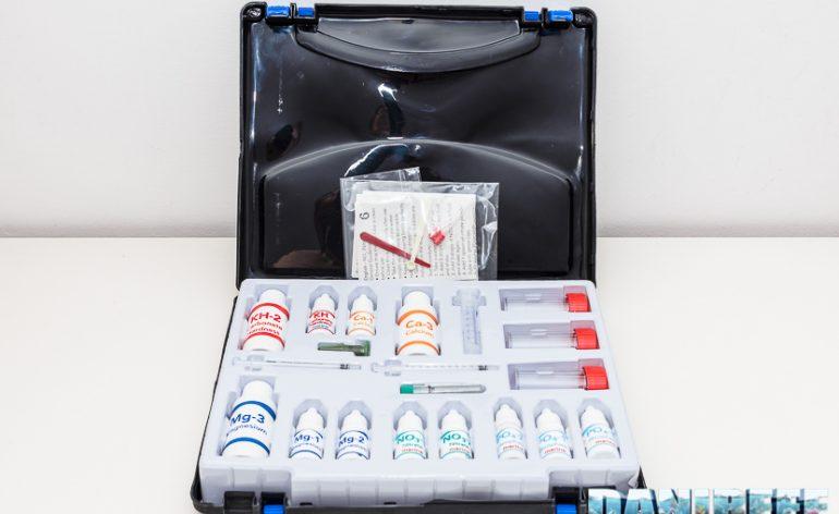 Marine test lab pratica valigetta con tutti i test per l 39 acquariofilia marina - Test dello specchio ...