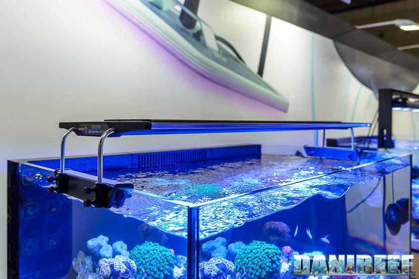 Plafoniere Led Per Acquari Marini Cinesi : Plafoniera zetlight 6600 protezioneazienda