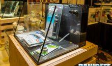 Lifegard Aquatics ed il suo acquario con il vetro anteriore inclinato