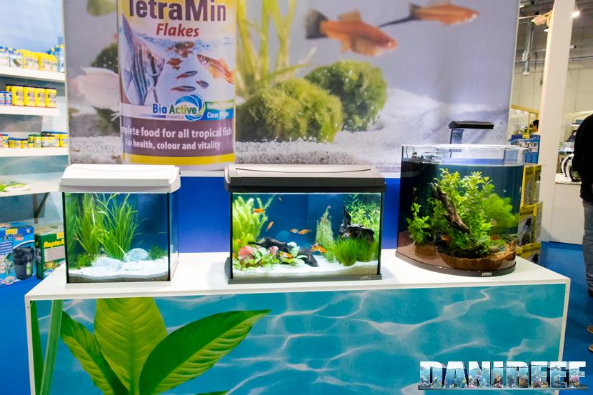 Gli acquari presso lo stand Tetra al PetsFestival 2018