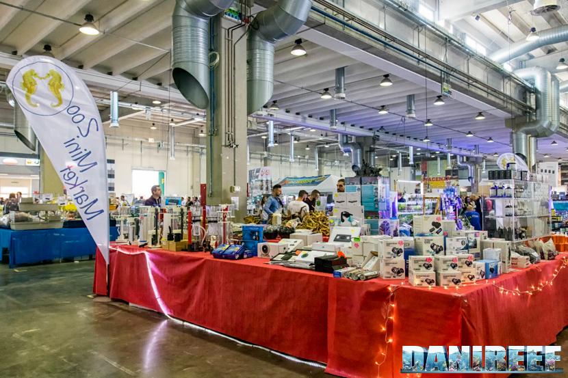 Lo stand ZooMiniMarket presso il petsFestival 2018