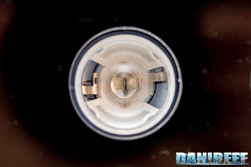 Particolare di un singolo led della plafoniera Orphek Atlantik V4