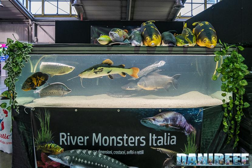 Lo stand River Monster Italia al Pet Expo & Show a Bologna