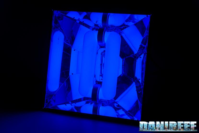Plafoniera ad induzione H.V. Innovation Blue da 18.000°K e 80 watt
