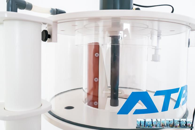ATB Medium Size 25 - recensione dello schiumatoio da oltre 1300 l/h d'aria: il bicchiere