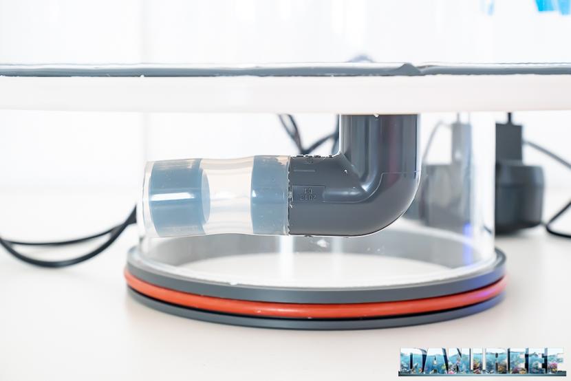 ATB Medium Size 25 - recensione dello schiumatoio da oltre 1300 l/h d'aria: il sistema di scarico dal bicchiere