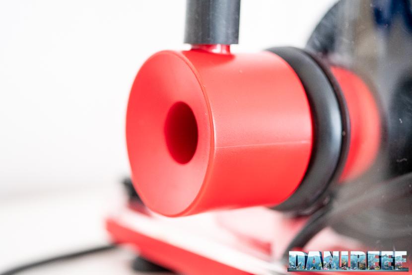 Red Sea RSK600 – La recensione dello schiumatoio senza manutenzione - particolare della presa della pompa