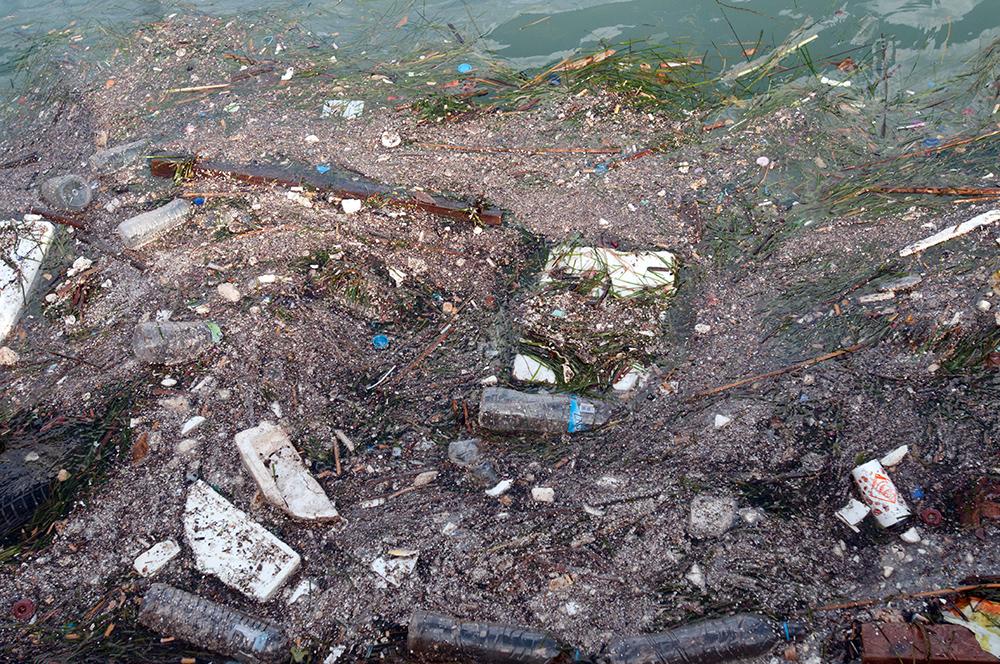 Inquinamento nel mar mediterraneo