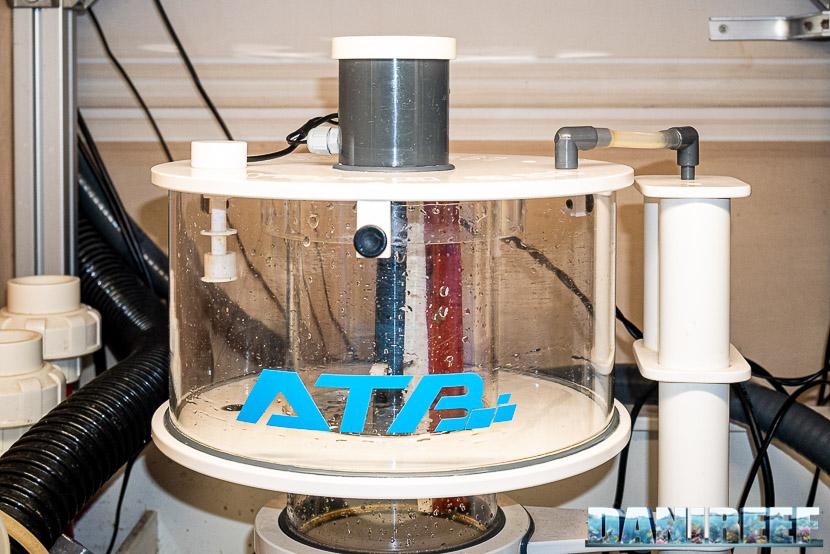 ATB Medium Size 25 - recensione dello schiumatoio da oltre 1300 l/h d'aria: bichiere