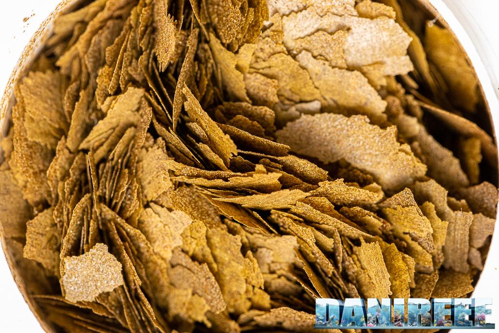 I nuovi mangimi Amtra della serie PRO: Pro Vegetal Flake