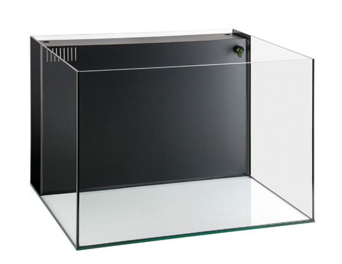 AGP presenta i nuovi acquari della linea Compact con silicone trasparente